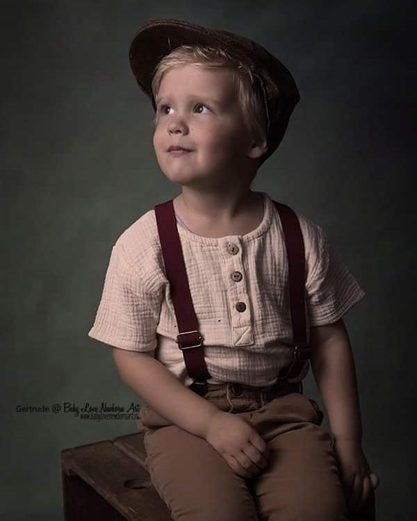 children-modelling-little-boy