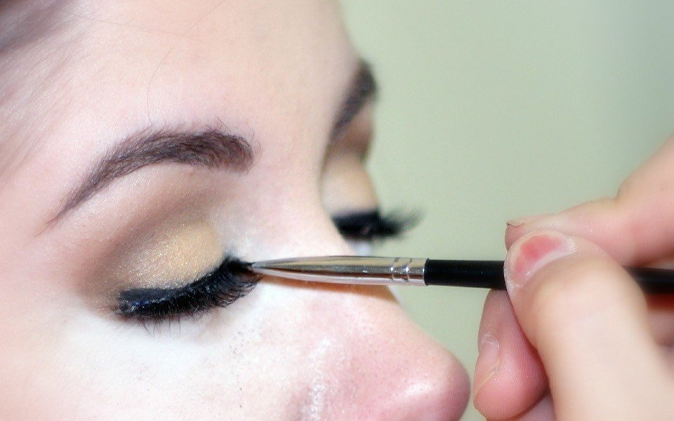 how-to-do-eyebrow-threading