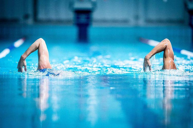model-swimming